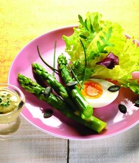 Asperges vertes en salade gourmande
