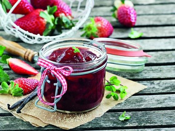 Confiture aux fraises et aux framboises