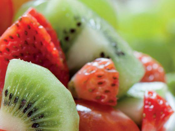 Salade fraises-kiwis cerfeuil
