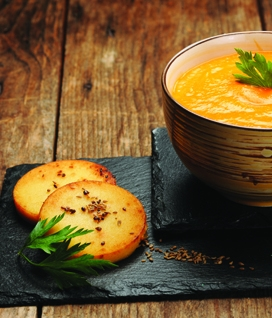 Velouté de carotte et toasts de panisse au cumin