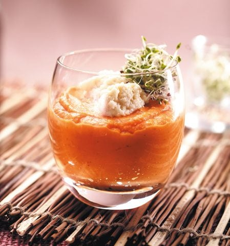 Velouté de carottes, parfum d'orange et graines germées