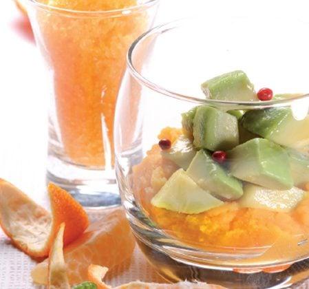 Verrine d'avocat à la mayonnaise de mangue et granité de mandarine