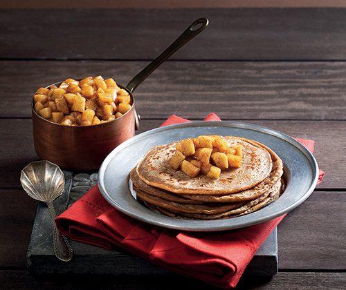 Crêpes à la farine de châtaigne et compotée de coings aux épices