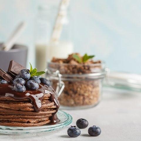 Pancakes bio aux éclats de Granola cacao et chocolat noir