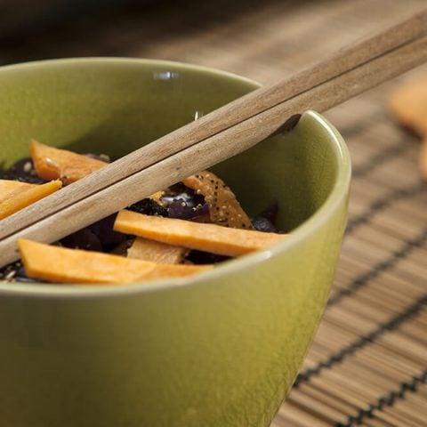 Wok de chou rouge et patates douces au cumin