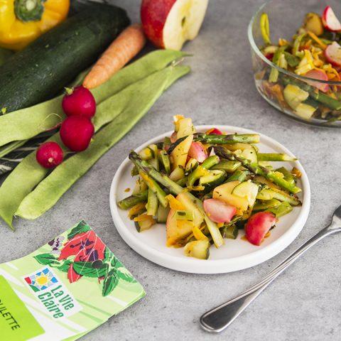 Salade de légumes printaniers au wok