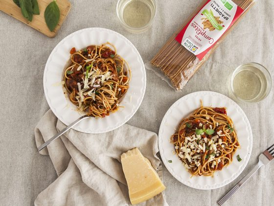 Spaghettis sauce tomate, champignons Portobello et pruneaux d'Agen