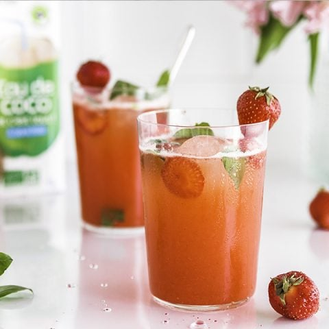 Mocktail rouge à la fraise