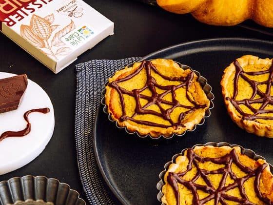 Pumpkin pie et toile d'araignée en chocolat