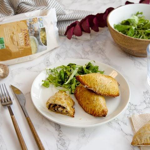 Chaussons épinards, chèvre et farine de maïs