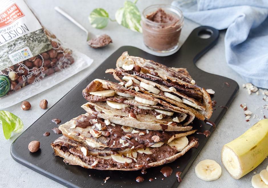 Crêpes au chocolat, banane et noisettes