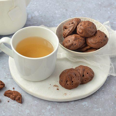 Mini biscuits soufflés au chocolat façon meringue