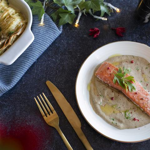 Pavé de saumon et son gratin de pommes de terre, sauce truffée