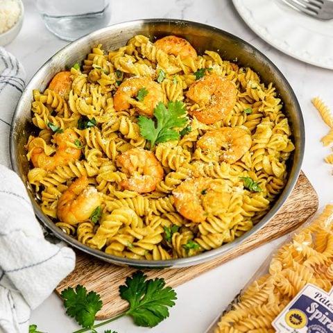 Pâtes aux crevettes et curry
